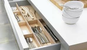 range ustensiles cuisine amnagement tiroirs cuisine coulissants de rangement