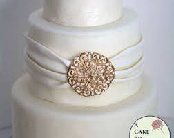 wedding cake jewelry diamond shape diy wedding cake edible brooch cake brooch