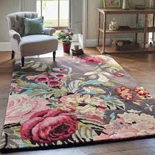 the beautiful floral design offers a fresh and joyful colour