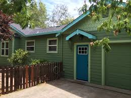 exterior painting of cottage in chico avenues need a house