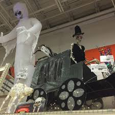 halloween lights halloween decorations the home depot the source for halloween yard art and scary props a home depot