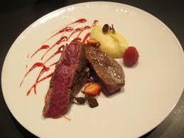 comment cuisiner le paleron bœuf black angus juste grillé purée légèrement vanillée et coulis