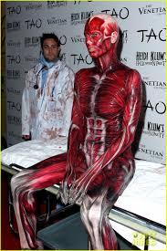 heidi klum halloween costumes heidi klum dead body halloween costume photo 2595258 heidi