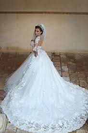 beautiful white tulle ball gown wedding dress court train lace