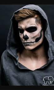 Imagenes De Calaveras Hombres | maquillaje halloween hombre calavera capucha jpg 479 799