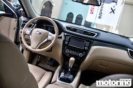 nissan qashqai vs x trail 2015 nissan x trail reviewmotoring middle east car news reviews