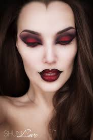Batman Halloween Makeup by Best 20 Halloween Makeup Vampire Ideas On Pinterest Vampire