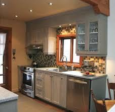peindre des armoires de cuisine en bois armoire e peindre armoires de cuisine teindre des armoires de