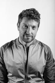 brett eldredge channels classic crooners for his style u2013 wwd