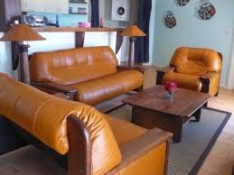 Incredible Leather Settee Sofa Better Housekeeper Blog All Things Starfish Blue Hanging Bed Private Homeaway Volivoli