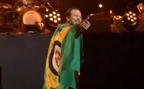 Led Zeppelin Comfortably Numb Pearl Jam Cover Pink Floyd U0027s U201ccomfortably Numb U201d Amid Torrential