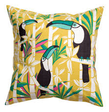 Hm Home Decor by Summer Set For Tropical Decor The Columbian