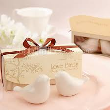 salt and pepper wedding favors beter gifts birds ceramic salt and pepper shakers wedding