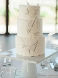 wedding cakes utah utah valley baker decorates wedding cakes with flourish