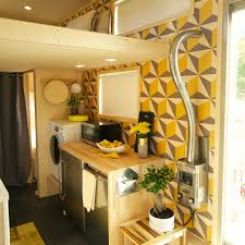Tiny House Kitchen Designs Thn Pin 5 Season 2 Preview Pictures Tiny House Nation Fyi