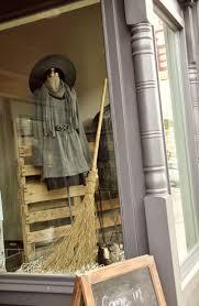 Diy Halloween Window Silhouettes by 113 Best Halloween Shop Windows Images On Pinterest Halloween