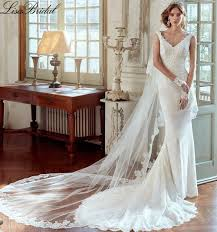 Wedding Shops Mermaid Wedding Dresses 2017 With Veil V Neck Button Back