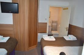 studio room 5 person u2013 1 double bed u0026 3 single beds tgh