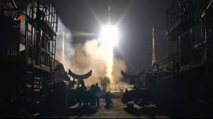 soyuz tma 15m rockets to orbit to complete expedition 42