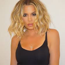 khloé kardashian debuts short lob khloe kardashian s bob haircut see her bring back her shorter
