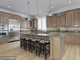 Traditional Kitchen Designs 2014 Traditional Kitchen With Breakfast Bar U0026 Hardwood Floors In