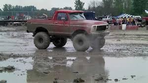 ford mudding trucks big ford 4x4 truck mudding