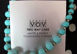 Bedak Vov vov two way cake matte and pearly foundation powder