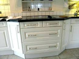 poignees meuble cuisine changer poignee meuble cuisine et poignee porte de cuisine