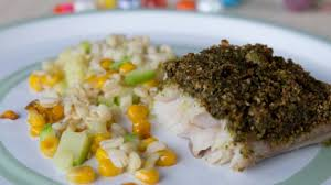 cuisiner le lieu noir recette pavé de lieu noir au pesto de coriandre cuisiner du lieu