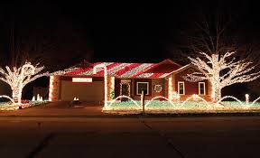 Candy Cane Lights The Candy Cane Crib Boasts More Than 30 000 Christmas Lights