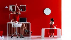 bureau pour bébé lit à barreaux pour bébé design et évolutif transformable en bureau