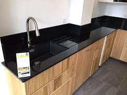 cuisine granit noir de travail granit noir 10 avec cuisine prix et 984ec5 jpg srz