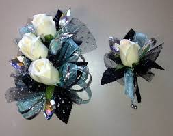 where can i buy a corsage and boutonniere for prom 21 best corsage images on prom flowers wedding