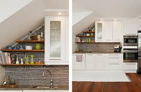 cuisine sur un pan de mur les meubles sous pente solutions créatives archzine fr pan