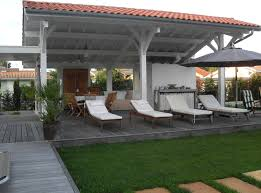 cuisine d ext駻ieure extension cuisine d été contemporain terrasse en bois