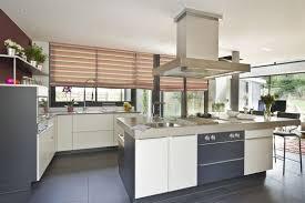 cuisine ilot central cuisson ilot de cuisine avec plaque de cuisson cuisine en image