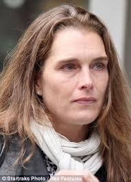 cropped hair styes for 48 year olds as 47 year old brooke shields steps out make up free we reveal