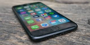 iphone 7 plus review who needs a headphone port when you u0027ve got