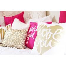 Pink And Gold Bedroom Decor by Pink U2022 Gold U2022 White U2022 Throw Pillows Dorm Life 2015 Pinterest