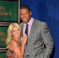 michael strahan new haircut 52 best live kelly and michael images on pinterest michael