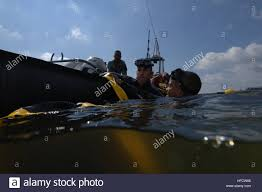 u s army soldiers from the u s army dive company out of fort
