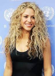 what color is shakira s hair 2015 target to offer deluxe edition of shakira s upcoming album