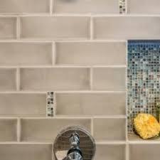 Photos HGTV - Shower backsplash