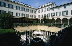 best rated hotels in historic center of naples italy