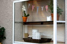 decorate a bay window
