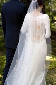 swan wedding photos of s breaking wedding dress bridalguide