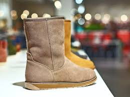 ugg boots sale miami a was denied entry to a qantas lounge for wearing uggs