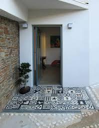 idee amenagement jardin devant maison entrée de maison les idées d u0027aménagement pour un extérieur plein