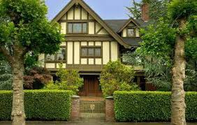 Teh Tehan pagar rumah hijau dari tanaman teh tehan desain tipe rumah
