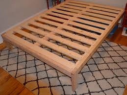 Wooden Platform Bed Frame Plans by Bathroom Queen Size Raised Bed Frame With White Wooden Shelves